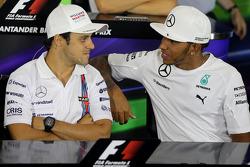 Felipe Massa, Williams F1 Team y Lewis Hamilton, Mercedes AMG F1 Team en la conferencia de prensa