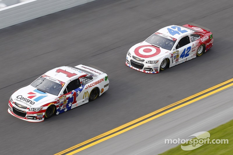 Jamie McMurray, Ganassi Racing Chevrolet e Kyle Larson, Ganassi Racing Chevrolet