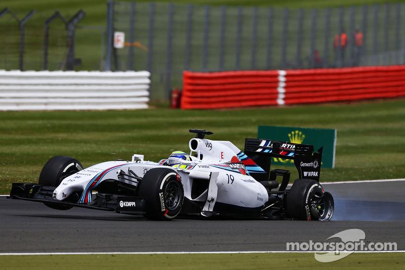 Felipe Massa, Williams FW36 ve hasarlı arka süspansiyonu