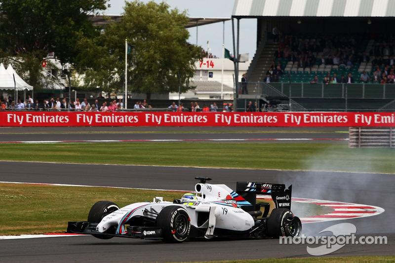 Felipe Massa, Williams FW36 ve patlak arka lastik