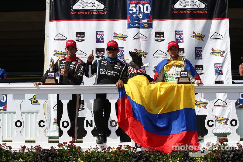Helio Castroneves, Penske Racing Chevrolet e Juan Pablo Montoya, Penske Racing Chevrolet e Carlos