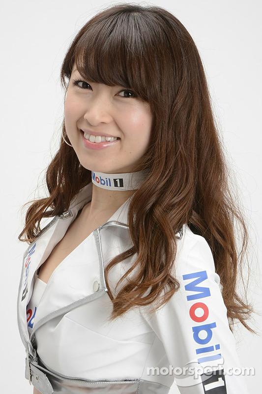 Rainha de corrida da Super GT posa pra fotos