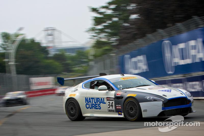 #34 TRG AMR 阿斯顿马丁 Vantage GT4: 尼克·埃萨伊安