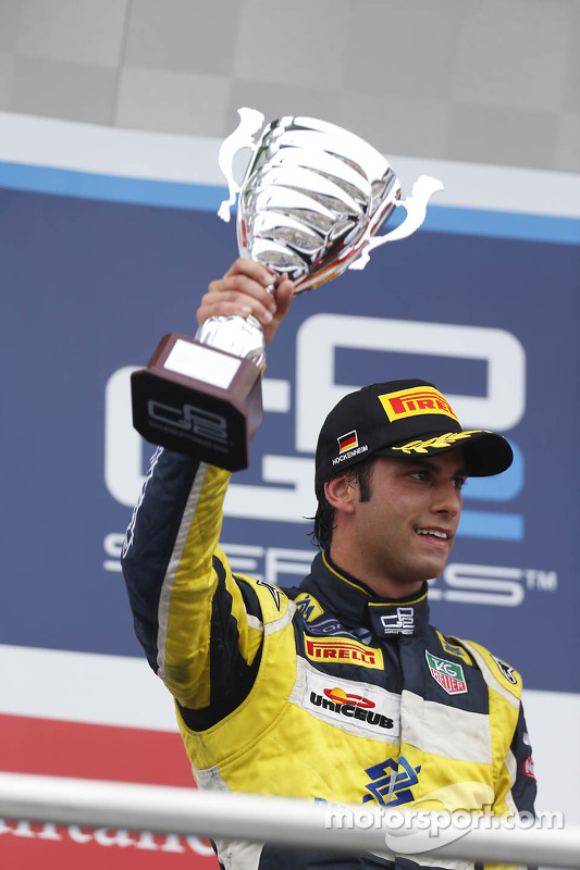 Pódio: segundo lugar Felipe Nasr
