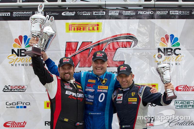 GT-A Podio del vincitore: Michael Mills (a sinistra, secondo), Marcelo Hahn (centro, primo) Henrik H