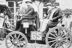 Albert Lemaître deuxième avec sa Peugeot mais finalement jugé vainqueur