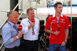 Johnny Herbert, Sky Sports F1; Martin Brundle, Sky Sports F1; Alexander Rossi, Marussia F1, Testfahrer