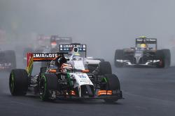 Nico Hulkenberg, Sahara Force India F1 VJM07, no início da corrida