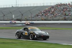 #04 Autometrics Motorsports 保时捷 卡宴: 雷默·鲁希蒂, 亚当·伊斯曼, 科里·弗里德曼