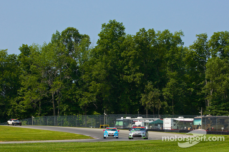 #36 Kinetic Motorsports Kia Forte Koup: Jason Wolfe