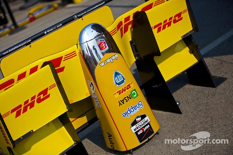 #28 Andretti Autosport aracının ön kanadı