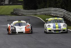 #24 Newbridge Motorsport: Guillaume Gruchet - #2 Neil Garner Motorsport Mosler MT900 GT3: Javier Morcillo, Manuel Cintrano