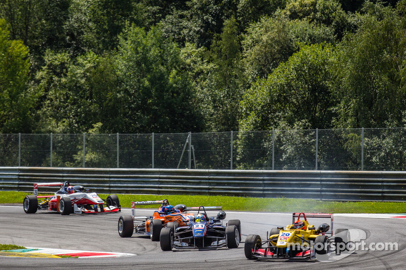 Felix Serrales, Team West-TecF3 Dallara F312 Mercedes, Sean Gelael, Jagonya Ayam ve Carlin Dallara F