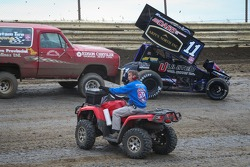 World of Outlaws commissario in pista