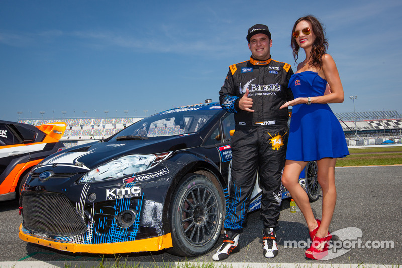 #14 Barracuda Racing Ford Fiesta ST: Austin Dyne com a Red Bull girl