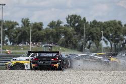 #9 Belgian Audi Club Team WRT Audi R8 LMS Ultra: Fabian Hamprecht, Stéphane Ortelli in trouble