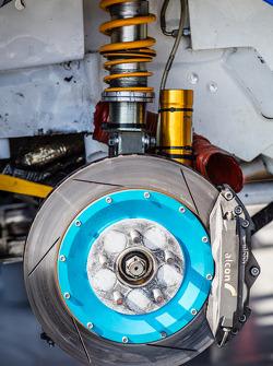 #81 斯巴鲁美国拉力车队 斯巴鲁 WRX STi 前悬挂和刹车