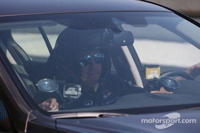 Sebastian Vettel hace la primera vuelta en el circuito de Sochi