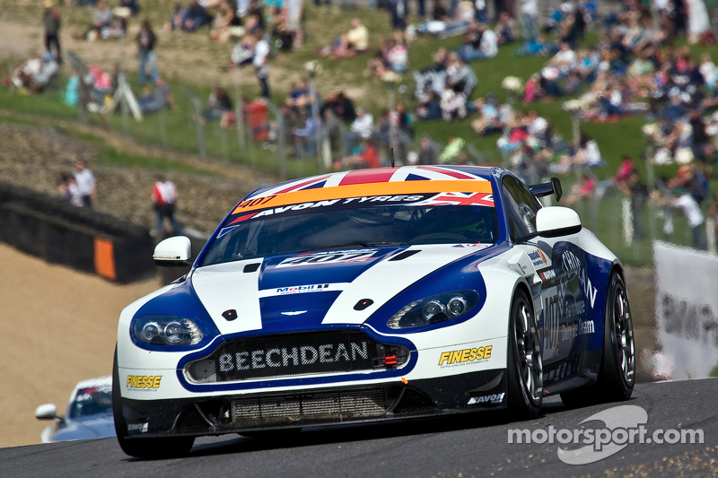 #407  Beechdean AMR 阿斯顿马丁 Vantage GT3: Ross Wiley Jake Giddings