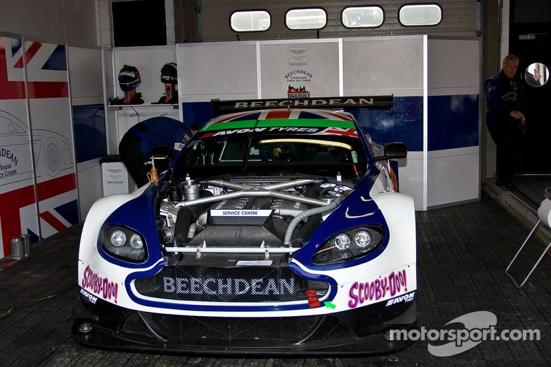 #1 Beechdean AMR 阿斯顿马丁 Vantage GT3: 安德鲁·霍华德 乔尼·亚当