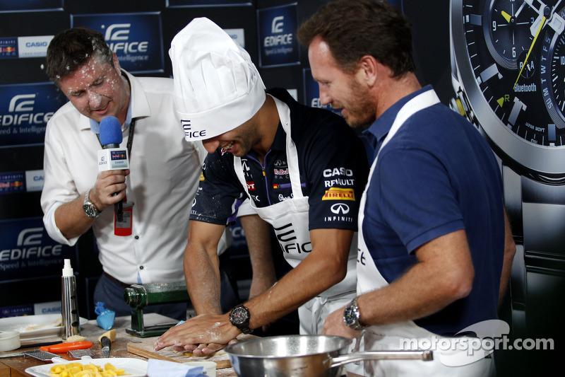 Casio Edifice Lansmanı, Red Bull Enerji İstasyonu'nda,Daniel Ricciardo, Red Bull Racing ve Christian Horner, Red Bull Racing Takım Patronu