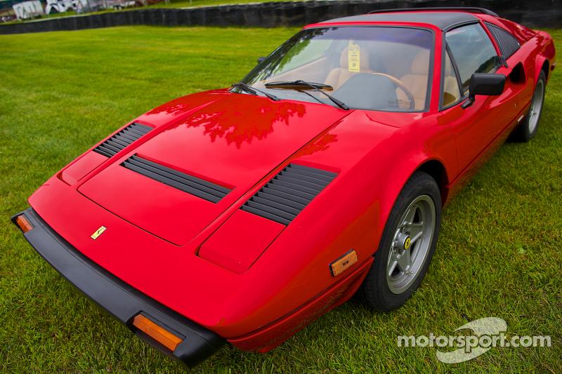 Sunday in the Park Concours con un Ferrari 308