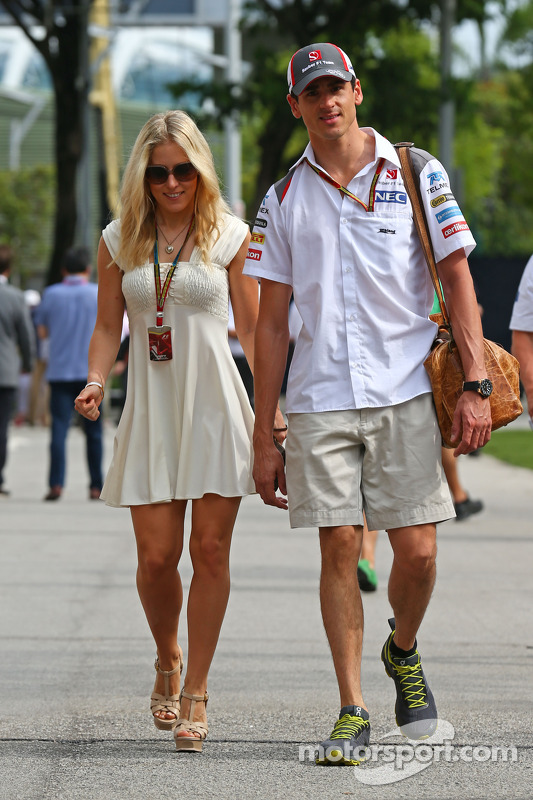 Adrian Sutil, Sauber with his girlfriend Jennifer Becks at Singapore GP