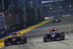 Daniil Kvyat, Scuderia Toro Rosso STR9; Jean-Eric Vergne, Scuderia Toro Rosso STR9