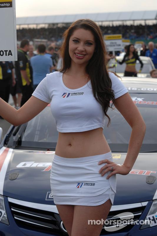 United Autosports Grid girl