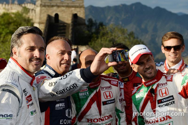 Yvan Muller, Citroen C-Elysee WTCC, Citroen Total WTCC, Tom Coronel, Chevrolet RML Cruze TC1, Roal Motorsport, Tiago Monteiro, Honda Civic WTCC, Castrol Honda WTCC
