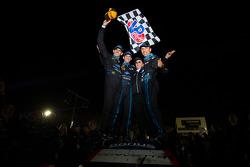 比赛获胜者:Ricky Taylor, Jordan Taylor, Max Angelelli