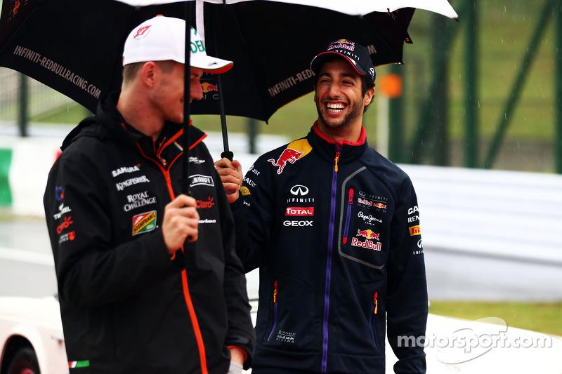 (L to R): Nico Hulkenberg, Sahara Force India F1 and Daniel Ricciardo, Red Bull Racing on the drivers parade