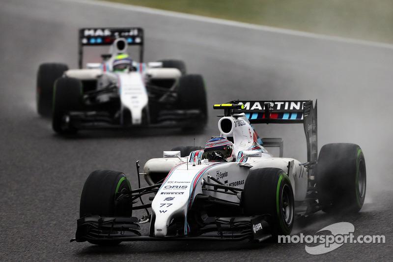 Valtteri Bottas, Williams FW36 davanti al compagno di squadra Felipe Massa, Williams FW36