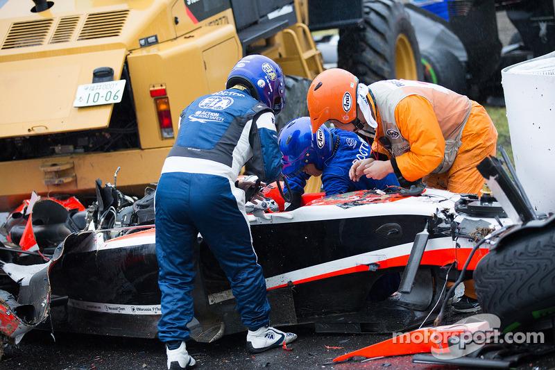 Команда безпеки на місці аварії Жюля Б'янкі, Marussia F1 Team