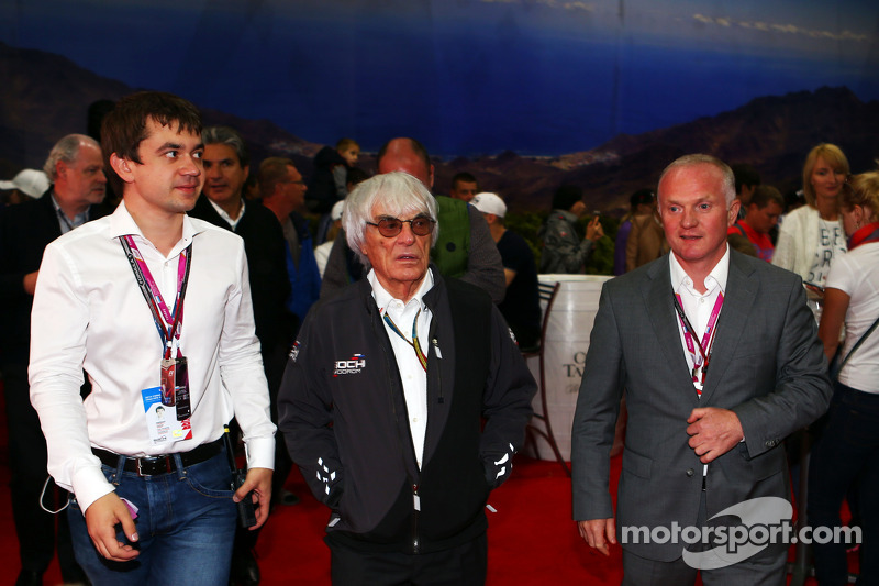 (L to R): Sergey Vorobyev, Deputy General Director, OJSC Centre Omega, and Russian GP Promoter with