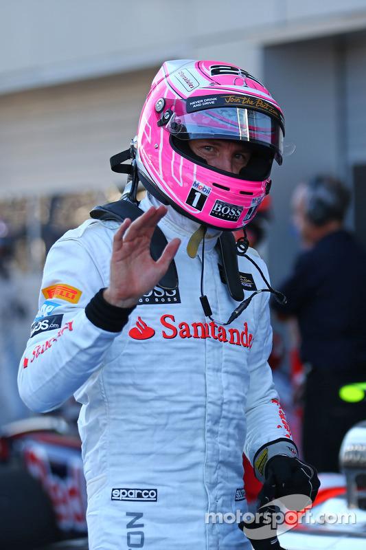 Jenson Button, McLaren celebra la sua quarta posizione nel parco chiuso