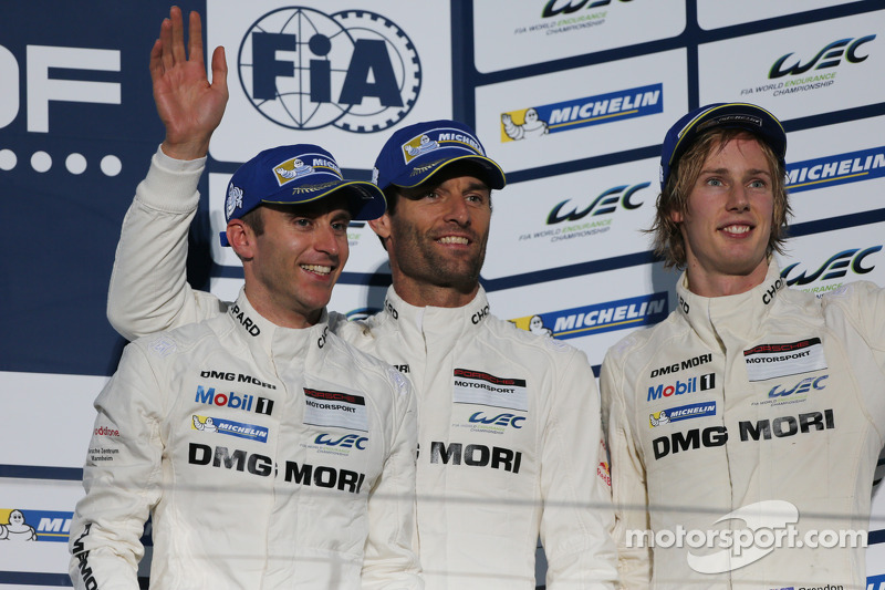 Terzo posto di Mark Webber, Brendon Hartley, Timo Bernhard