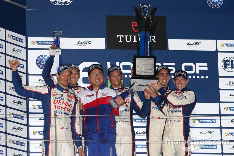 Podio: ganadores de la carrera Anthony Davidson, Sebastien Buemi, segundo lugar Alexander Wurz, Kazuki Nakajima, Stéphane Sarrazin