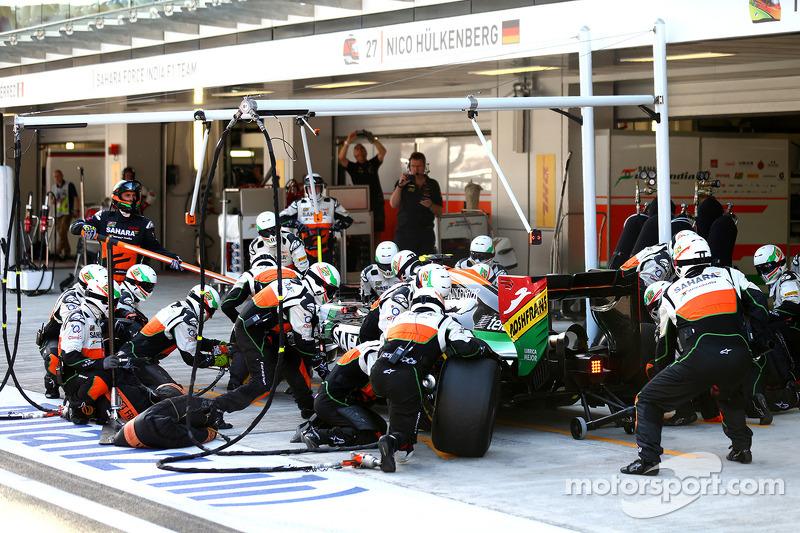 Sergio Perez, Sahara Force India F1 VJM07 pit stop