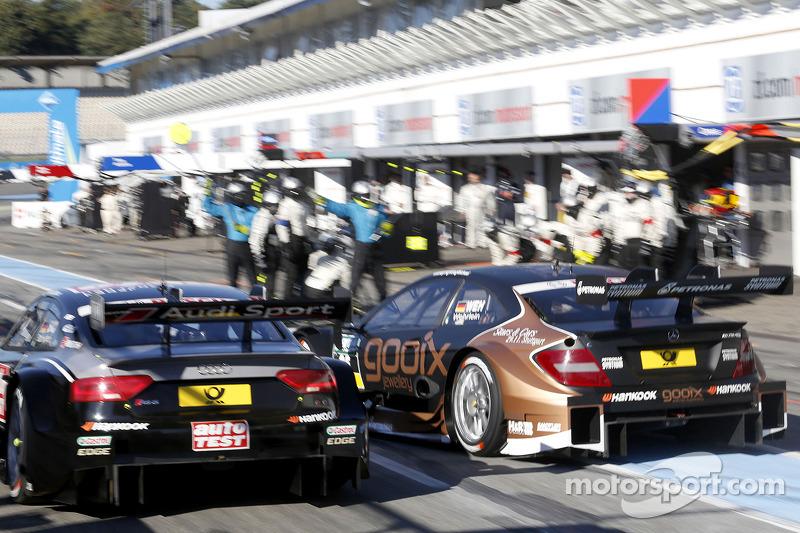 Timo Scheider, Audi Sport Team Phoenix Audi RS 5 DTM y Pascal Wehrlein, Mercedes AMG DTM-Team HWA Me