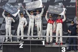 Podio: ganadores de la carrera Maximiliano Götz, Maximiliano Buhk, segundo lugar Hari Proczyk, Jeroen Bleekemolen, el tercer lugar Cesar Ramos, Laurens Vanthoor