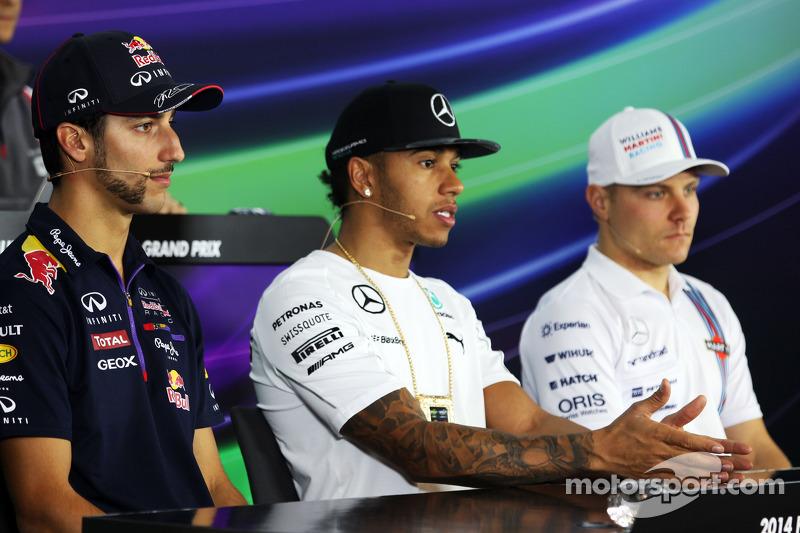 (L to R): Daniel Ricciardo, Red Bull Racing with Lewis Hamilton, Mercedes AMG F1 and Valtteri Bottas