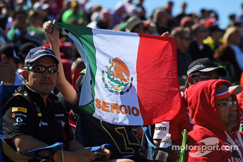 A young Sergio Perez, Sahara Force India F1 fan
