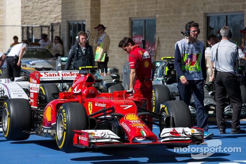 La F14-T Ferrari di Kimi Raikkonen, Ferrari, in parco chiuso