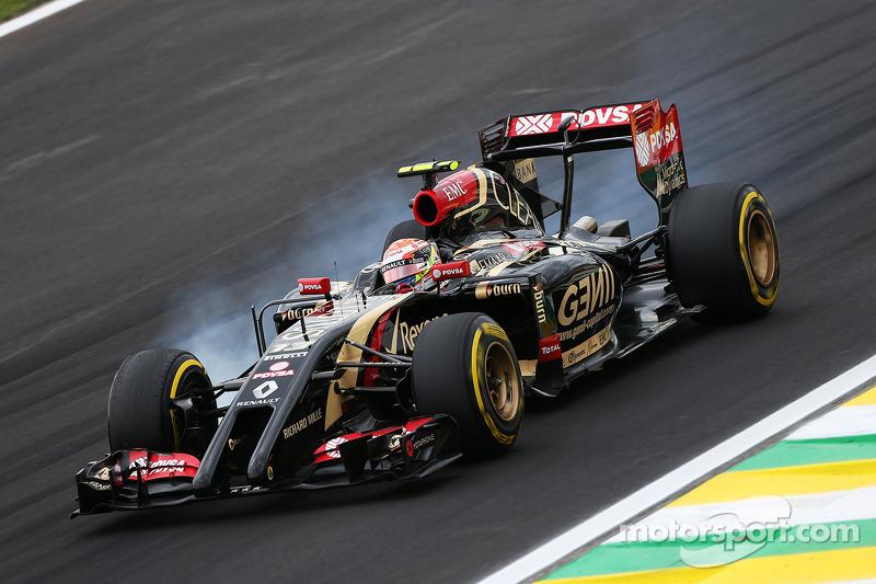 Pastor Maldonado, Lotus F1 E21 con un bloqueo