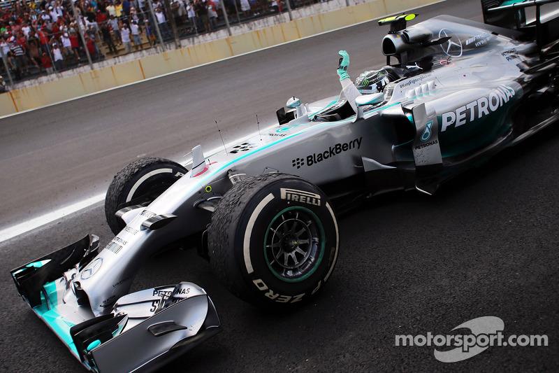 """2014 - Nico Rosberg, Mercedes (<a href=""""http://fr.motorsport.com/f1/photos/main-gallery/?r=17993&y=2014"""">Galerie</a>)"""
