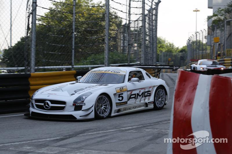 #5 Mercedes AMG Driving Academy Mercedes Benz: Maro Engel