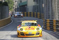 #72 LKM Racing Porsche GT3 R: Earl Bamber