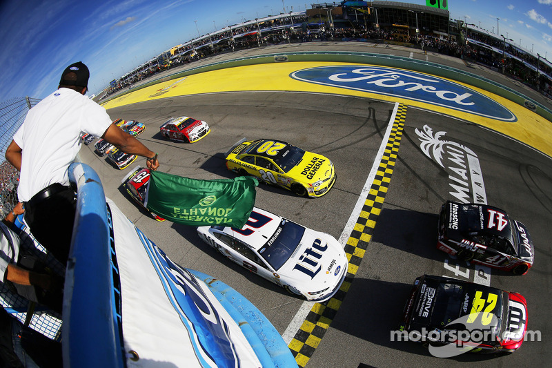 Partenza: Jeff Gordon, Hendrick Motorsports Chevrolet al comando