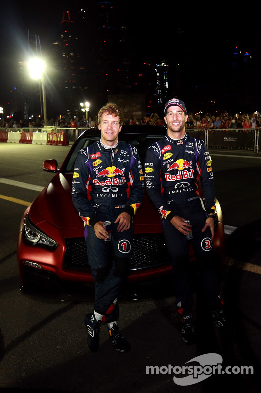 Sebastian Vettel e Daniel Ricciardo at the Infiniti Road Show